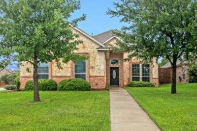 3 Must See New Listings In Denton and Sanger!