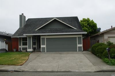 1421 Gregory Ct. Rohnert Park