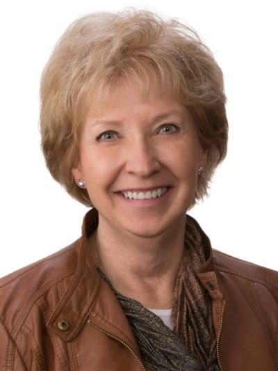 Meet our Agent of the Month – Sharon Stade!