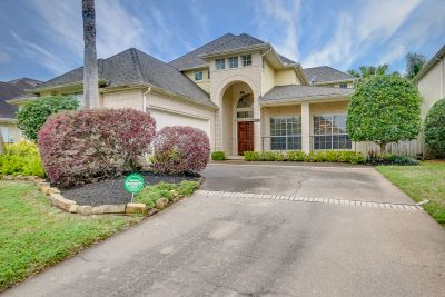 Lovely Home in Waterfront Community Now Available