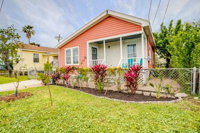 Price Reduced on Cute Galveston Bungalow