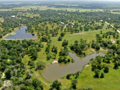 Legendary Houston defense attorney's sprawling Texas ranch offered at $1.2 million