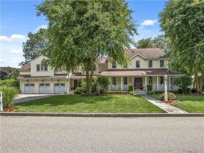 Barrington, RI – Exceptional Hampden Meadows Home
