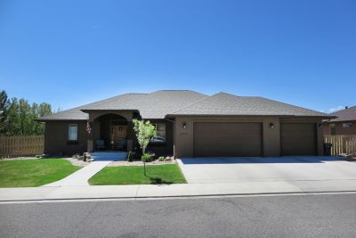 Home for sale in the Knolls!