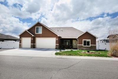 Spacious Home for Sale!