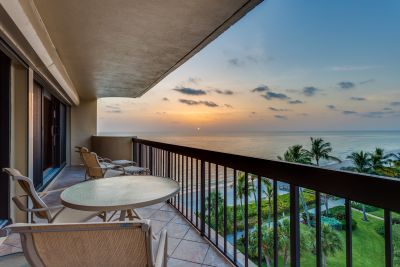 Sunday Open House. Naples Beachfront Condo in Park Shore – New To Market.