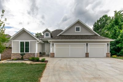 Zero Entry New Construction in Hickory Hills!