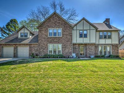 1608 Cherokee Hills Drive, Bartlesville, OK 74006