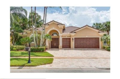 "8836 VALHALLA DR, ""MIZNER COUNTRY CLUB"" DELRAY BEACH 33446"