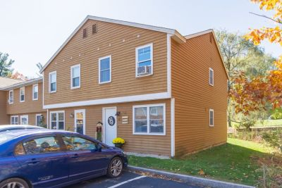 COMING SOON/OPEN HOUSE,  10/26 from 12:30 TO 2:30 – 2 BR, 1.5 BA Condo in Derry, NH. Offered at $165,000.