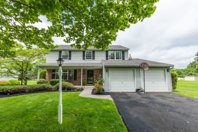 Fantastic 4 Bedroom, 2.5 Bath Colonial in Yardley