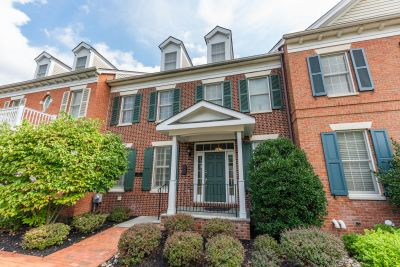 Stylish Townhome in the Heart of Newtown Borough