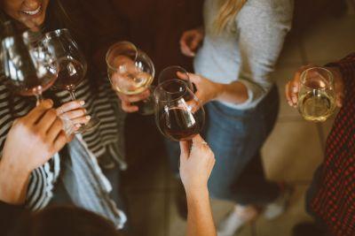 6 Trendy Spots to Get a Drink Around Scottsdale