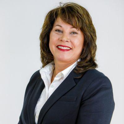 Lisa Longenbach