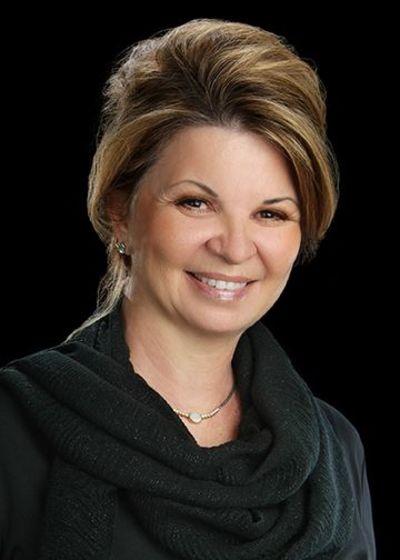 Beverly J Sanders