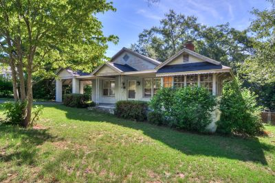 2BR-1.5BA Cottage with 1950s Charm