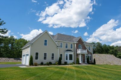 OPEN HOUSES THIS WEEKEND New Homes near I-495 & MA PIke