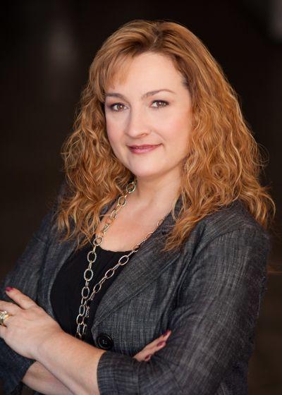 Nicole Tavares