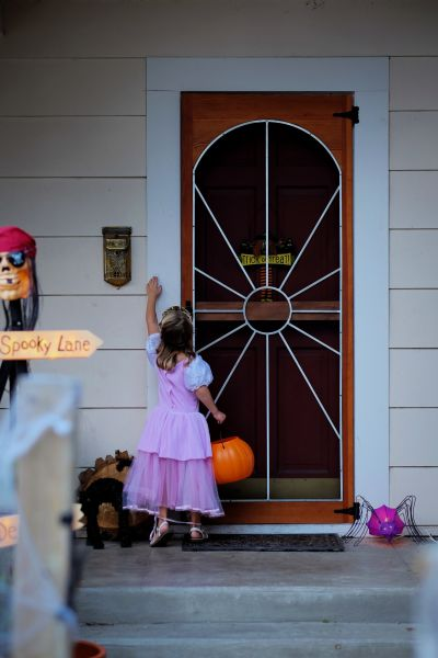 LAs Best Trick-or-Treating Guide by Neighborhood