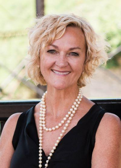Julie VanDerostyne