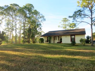 Custom Home on almost 2 acres in Loxahatchee, FL