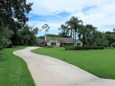 Wellington FL Pool Home on 1.48 acres