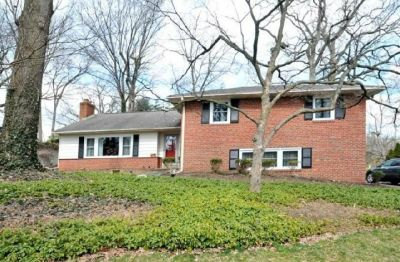 Meadowbrook Beauty with Drastic Price Reduction!
