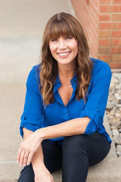 Jenn Baniak-Hollands<br>Licensed RE Salesperson