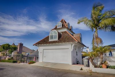LEASED! BEACH HOME BEAUTY w/ Canyon & City Views 1197 Leonard Ave Oceanside