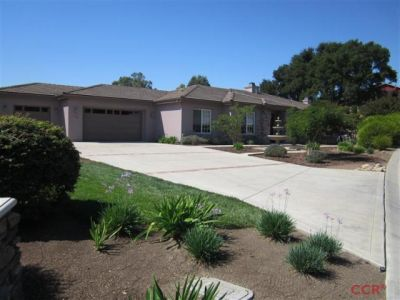 Coming Soon!  Solvang, CA  3Bdrm/3Bath