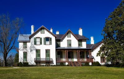 Thinking About Buying a Historic Home? 3 Things You Should Know