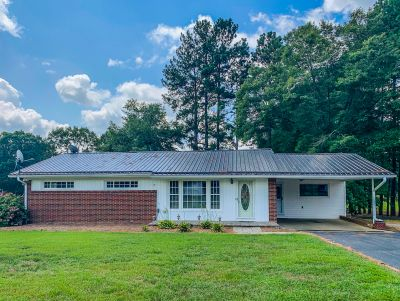 Peaceful Setting & a Great Price!