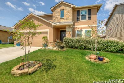 Beautiful, gorgeous 4 bedroom 3.5 bath home in Converse, TX.