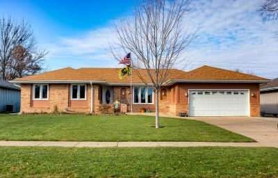 JUST LISTED! Ranch in the Heart of Ankeny!