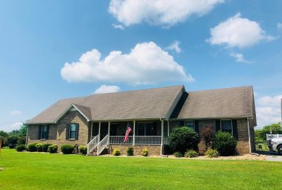 Murfreesboro Home For Sale on 1.75 Acres with 3 Car Garage/Workshop and Pool