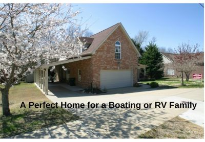Open Sunday April 8, 2-4 PM, Perfect Home for the Boating Family