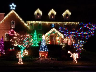 Best Christmas Lights and Awesomely Decorated Homes around Los Angeles