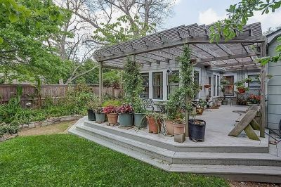 PENDING in Houston Heights! 2053 Columbia Offered at $649,000.