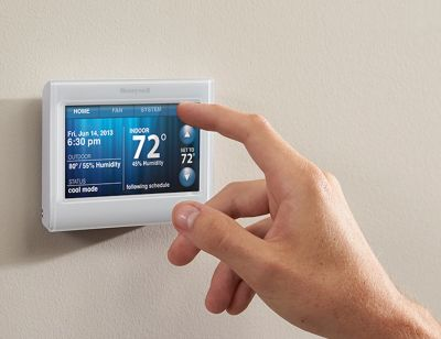 The Secret to Programming Your Thermostat the Right Way for Each Season
