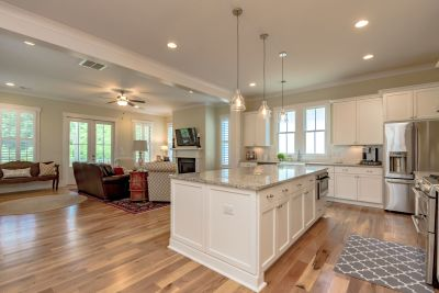 Looking to Move-Up to a Luxury Home in Mount Pleasant? Now's the Time!