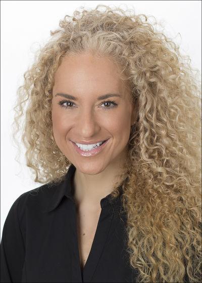 Nicolette Fischer