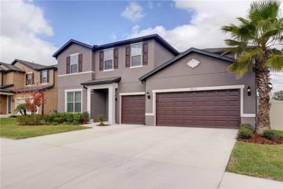 JUST LISTED in Valrico, FL