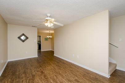 2BR condo for sale in Brightside Manor near LSU