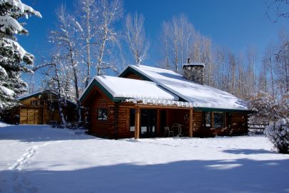 Charming Log Home, Close to Big Wood River!