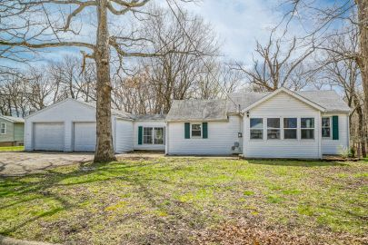 305 Valley View Ct East Peoria IL 61611 Home For Sale