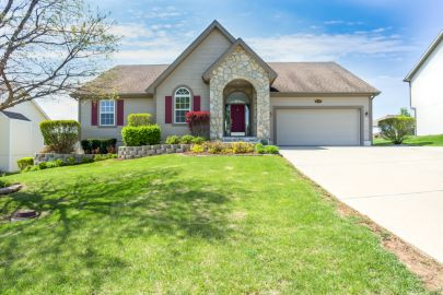 2119 Magnolia Drive Leavenworth, KS 66048