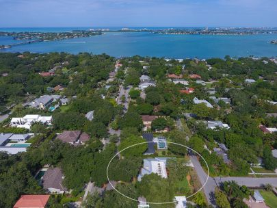 1743 North Drive, Sarasota, FL