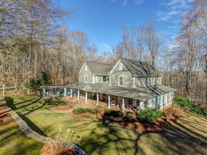 18+ AC private estate in the heart of Summerfield/Oak Ridge!