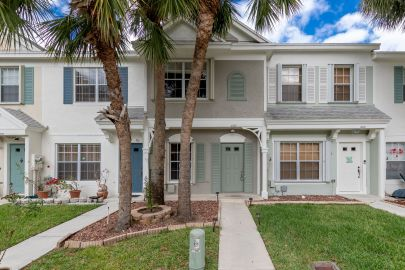 Investor Special – Pristine – 100% Upgraded Townhome