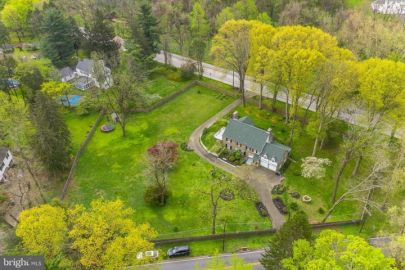 OPEN HOUSE Saturday, 11/23  1 – 4 pm 1270 Valley Rd in 19046